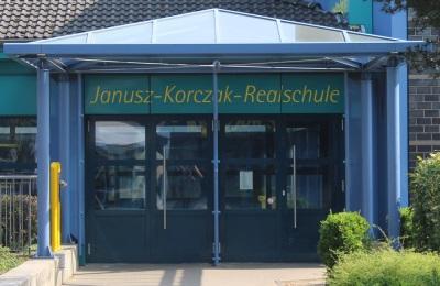 Eingang Janusz-Korczak Realschule Schwalmtal